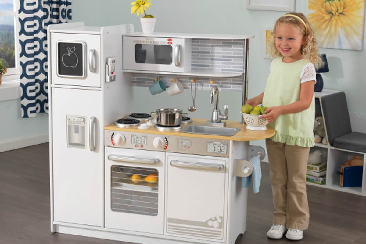 The Best Play Kitchens Of 2021 Expert Reviews Mommyhood101